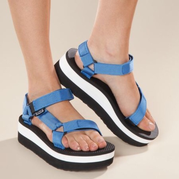 74777a4b300 TEVA Women s Flatform Sandals French Blue 9 M. M 5a64a8b205f4307ca61c2081